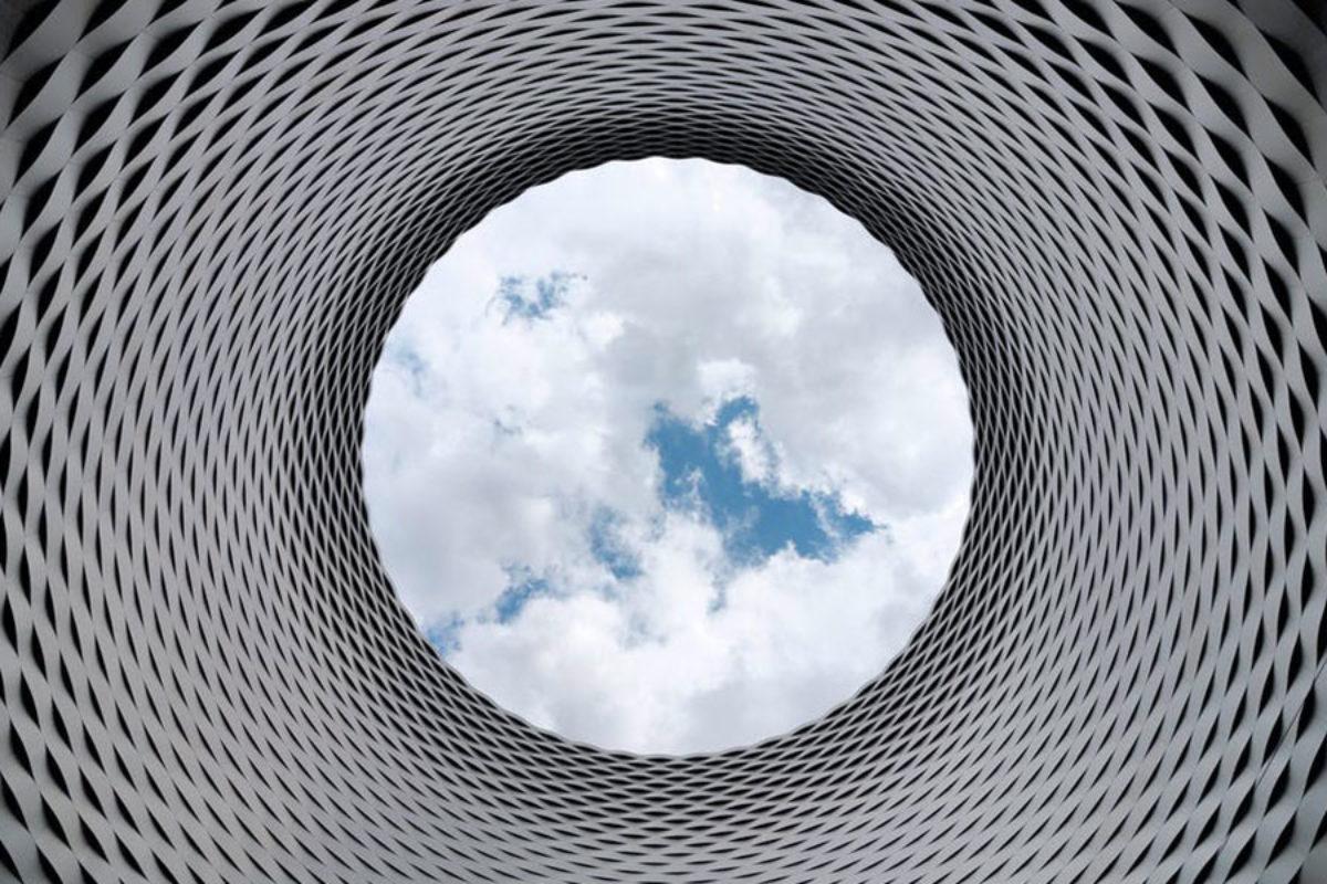 Cost of Cloud Computing: Virtual Server vs Serverless Model Image